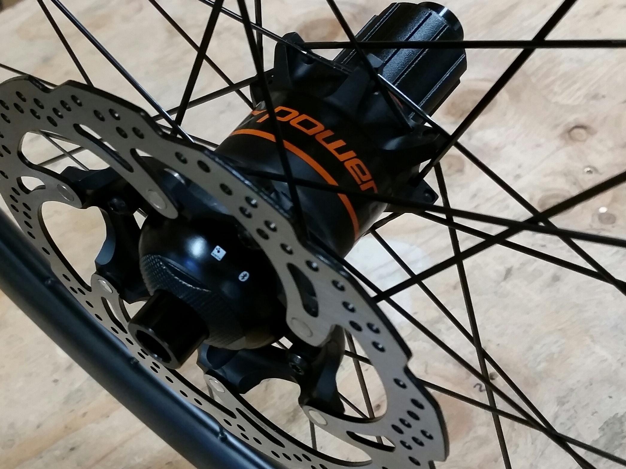 PowerTap Disc hubs on Light Bicycle carbon rims